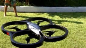 Un AR.Drone en vuelo