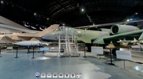Un A-10 Thunderbolt expuesto en el NMUSAF.