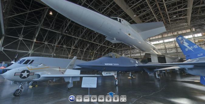 El ejemplar de XB-70, entre otros aviones